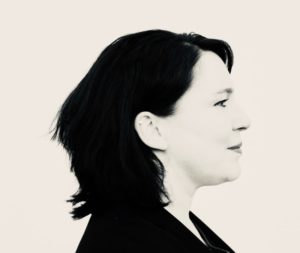 Kommentarbild Zwei Köpfe - Nachrichten aus Zeitgeschehen, Religion und Recht, Eva Heuser