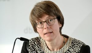 Beate Gilles: Generalin oder Sekretärin?
